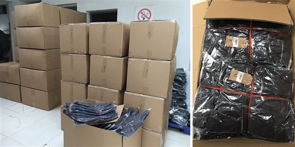 Cajas con la producción de camperas para la marca BENSIMON preparadas para el envío.